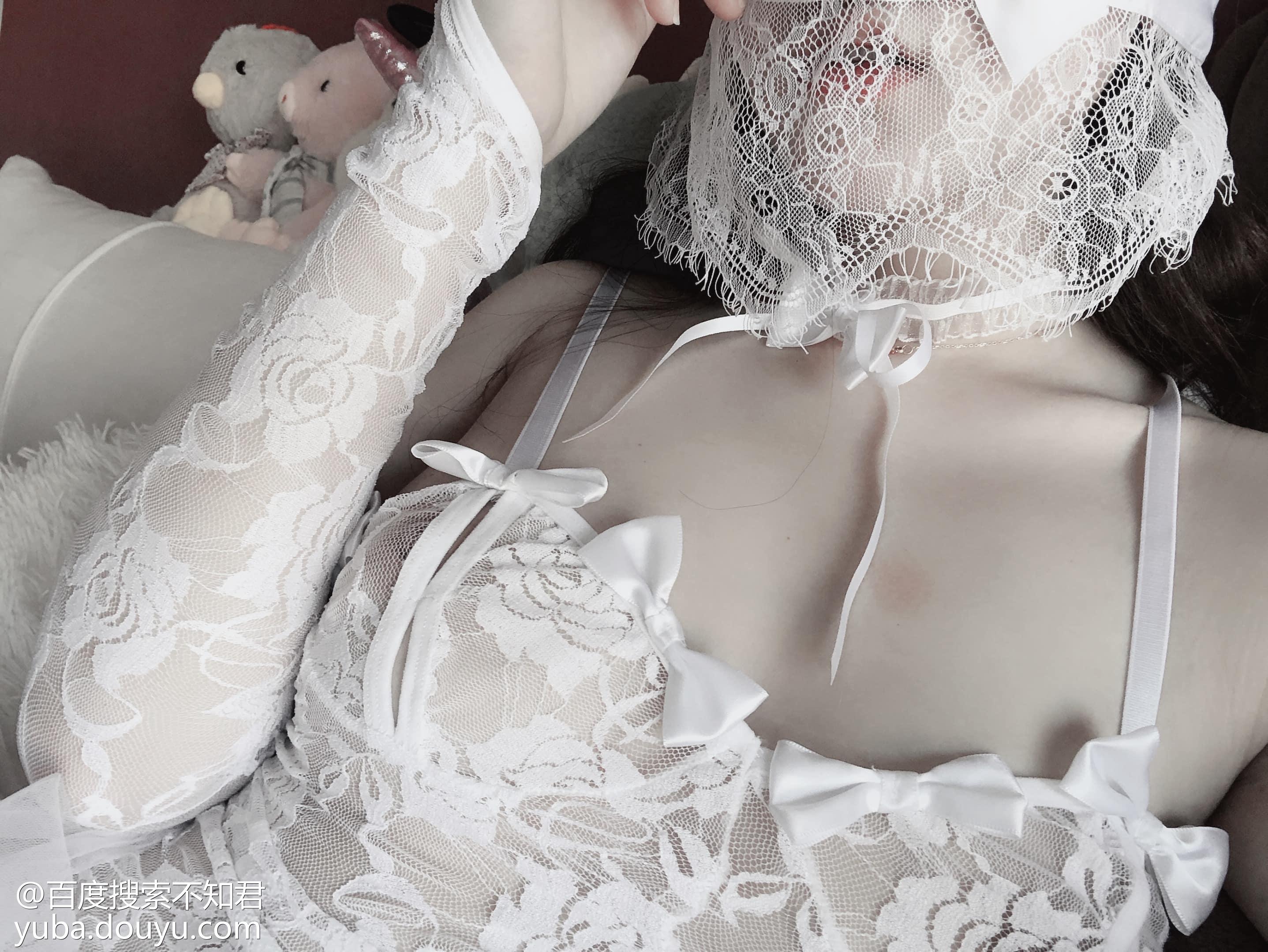 惡犬小姐姐 – 新娘装 33P